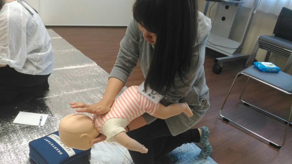 赤ちゃん喉に異物が詰まった時